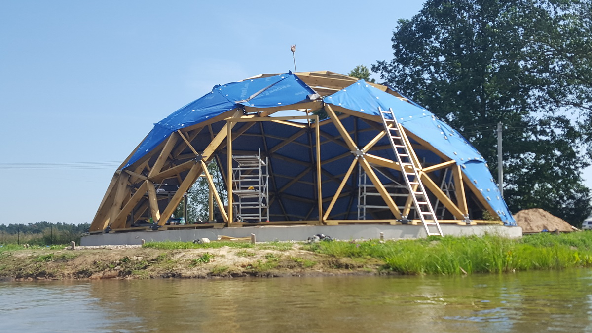 Усадьба с гостевым домом и баней 125м2 Куполом Ø12м, Шервинтай, Литва