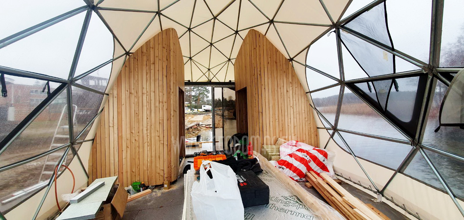 27m² Floating Glamping Dome Ø7m   Recreational Yacht, Trakai