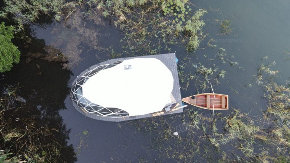 geodomas_float_yacht_glamping_dome_04