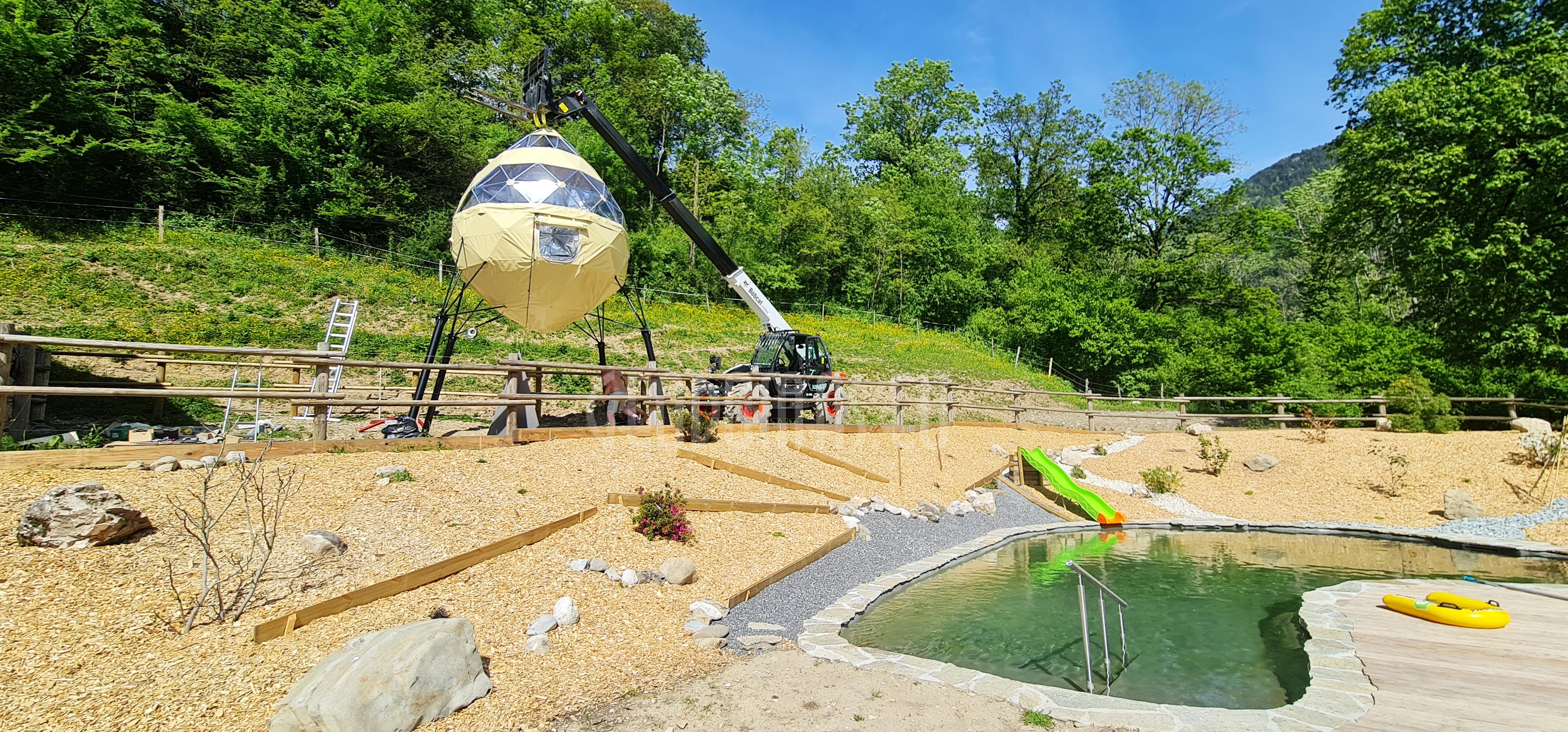 CRYSTAL DOME @ Au Bois du Moulin Village, Франция